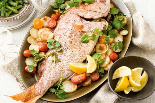 Whole snapper with herb pesto and crispy potatoes